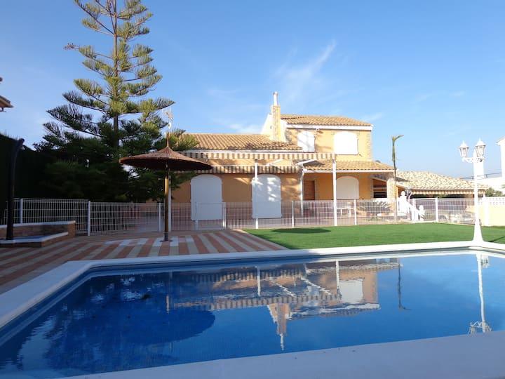 Villa Bonavista, con piscina privada.