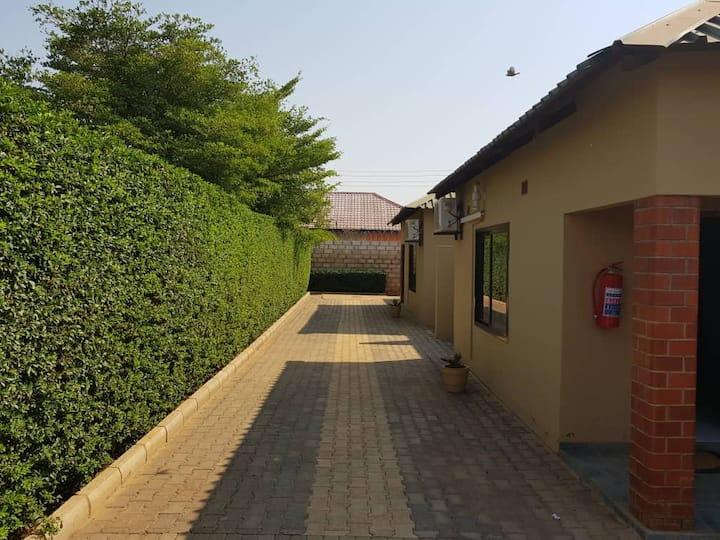 Ticheze Lodge and Car Hire