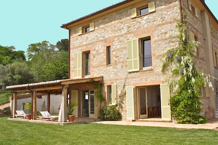 VILLA overlooking the sea  - Scansano - Vila