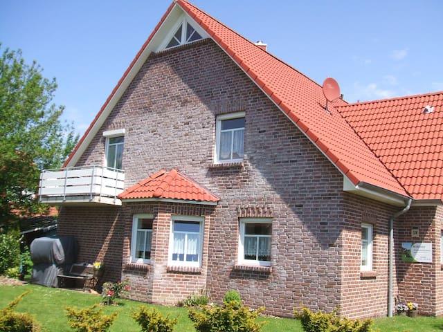 Nordseeferienwohnung Henseleit - Krummhörn