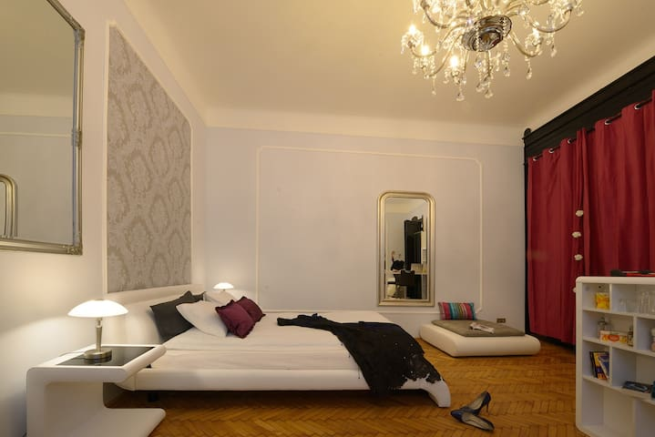 35 square meter room