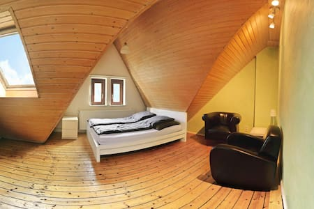 Freundliches App. mit Dachterrasse - Bremen