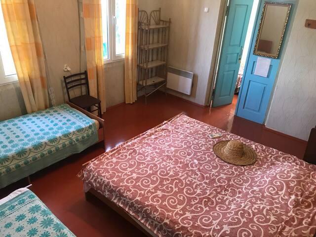 Комната с отдельным входом в Доме г.Гагра Абхазия