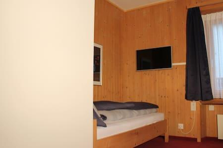 Chasa Betschla Ferienstudio Macun in Zernez - Zernez - Wohnung