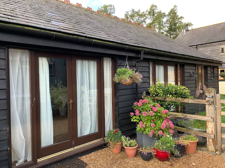 Detached Garden Annexe in Pretty Rural Coutryside
