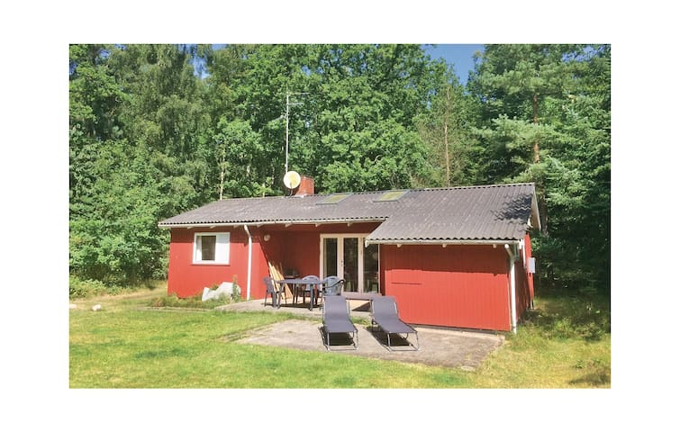Holiday cottage with 2 bedrooms on 60 m² in Hasle