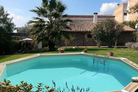 Majestic 5-bedroom villa for 7-14 people only 20 minutes from Barcelona! - Barcelona Region