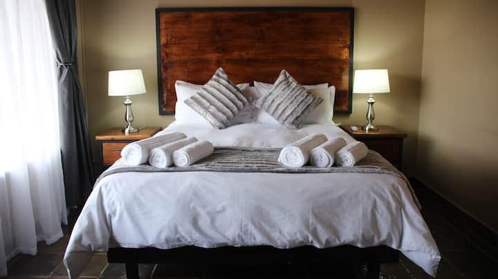 Casa Leitao Lodge - Family Room(2 Bed)4 sleeper