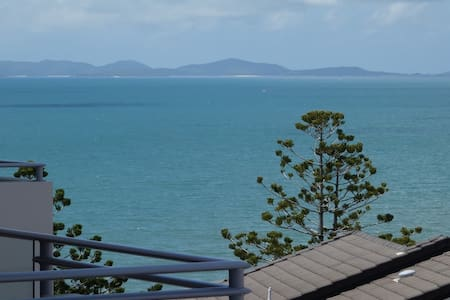 Executive One Bedroom Apartment - Yeppoon - Apartment