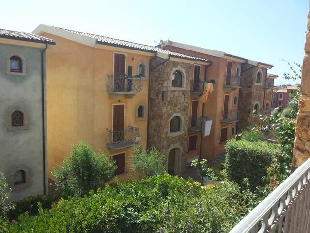 Appartamento per 2-4 persone nel paese di Badesi