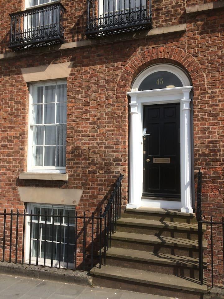 Nestin Liverpool (Knowledge Quarter) - nr Lime St