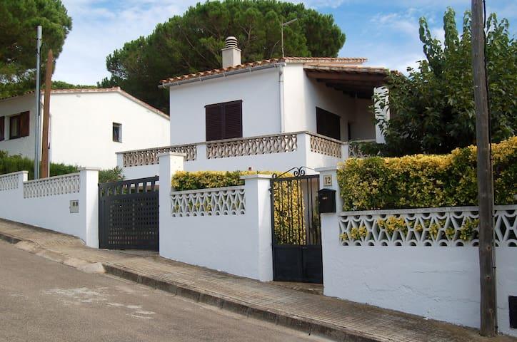 CASA EN LA ESCALA, GERONA - L'Escala - Hus
