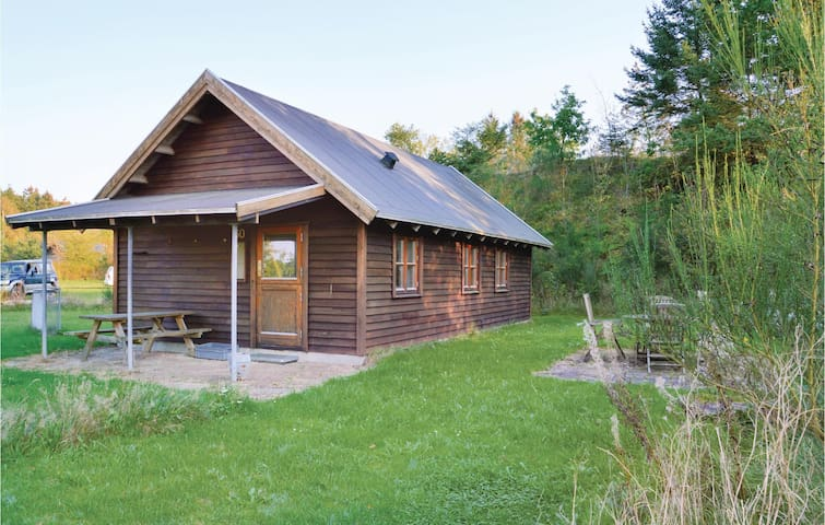 Holiday cottage with 2 bedrooms on 60m² in Kibæk
