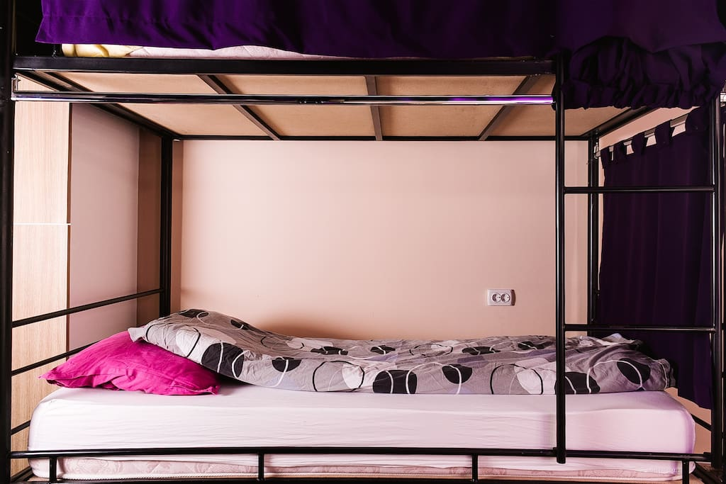 8 Bed Shared Room