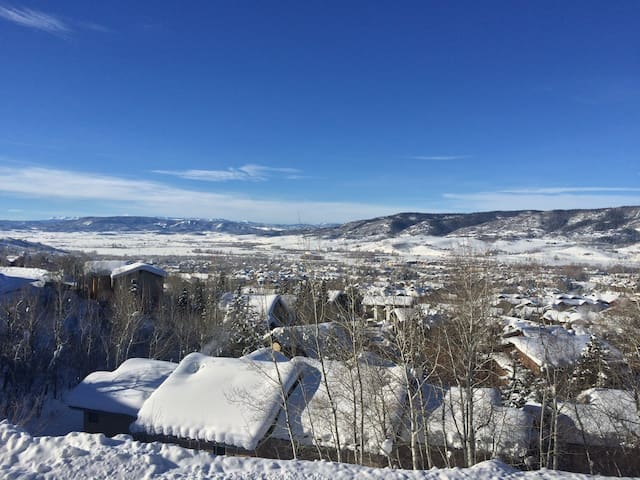 Mountain Oasis w/ Incredible Views! - Steamboat Springs - Íbúð