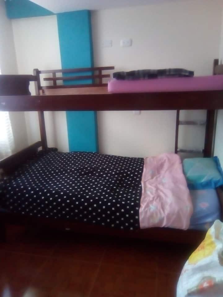 Confortable habitación ambiente familiar
