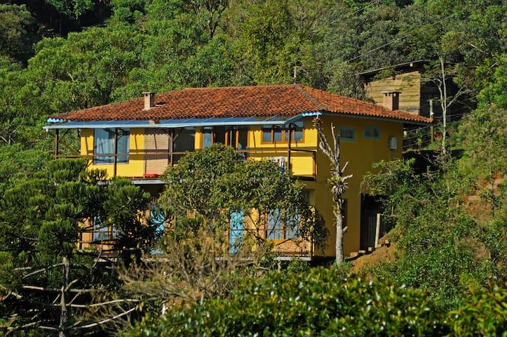 Estalagem TerraMauá - Lírio - Resende - Haus