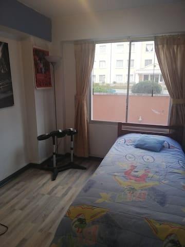 Habitación privada zona norte de Quito.