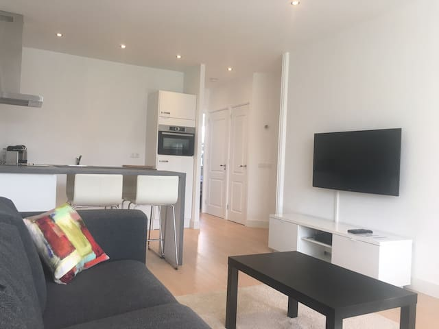 4 person appartement with free parking place. - Amsterdam - Byt