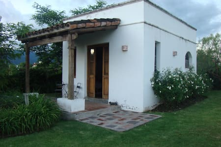 casita de huespedes - salta - Bed & Breakfast