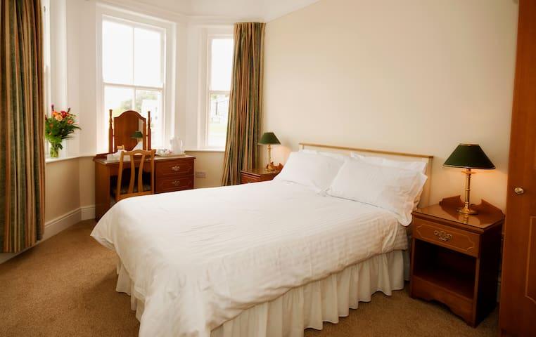 Double Room in Linden Hall B&B - Westport - Bed & Breakfast