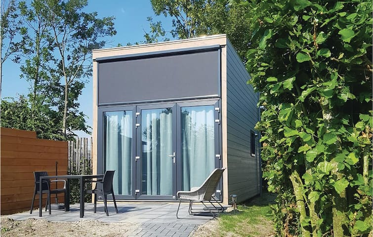 Holiday cottage with 1 bedroom on 36m² in Sint-Annaland