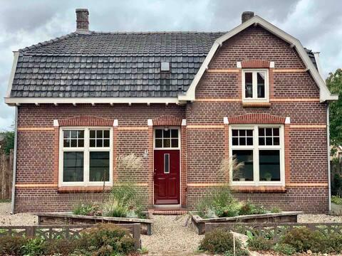 Karakteristieke woning 1905 in pittoresk dorp