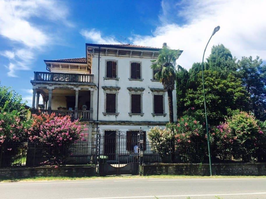 Villa Luna - outside view (2)