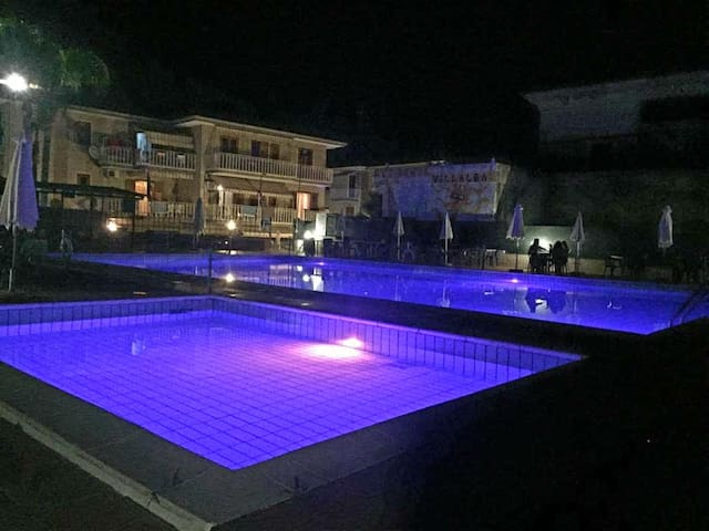 """Midnight Holiday House"" sea/pool in S. Tecla"