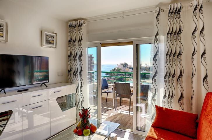 Superior Apartment with Balcony and Sea View