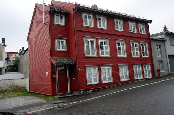 Double room (2nd) in the heart of Tromsø city