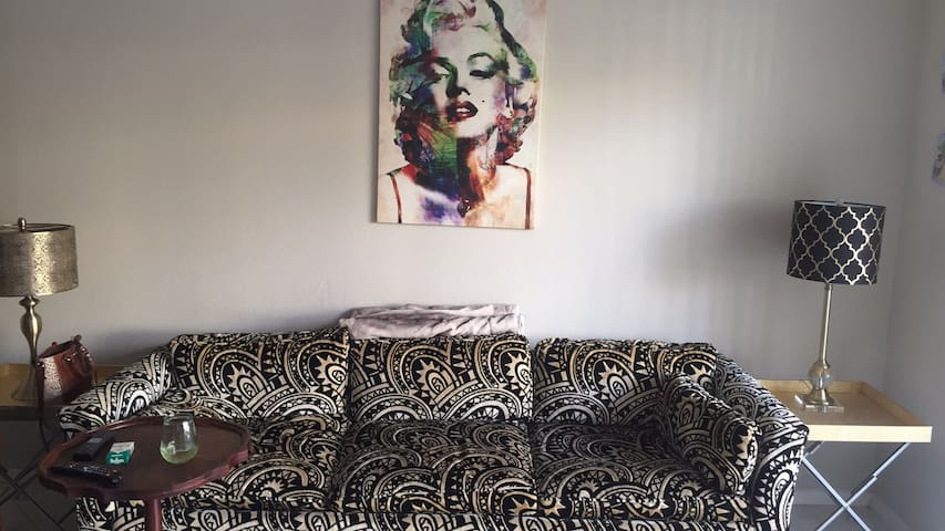 OLD HOLLYWOOD VIBE ONE BR APARTMENT - Palm Beach Gardens - Apartment