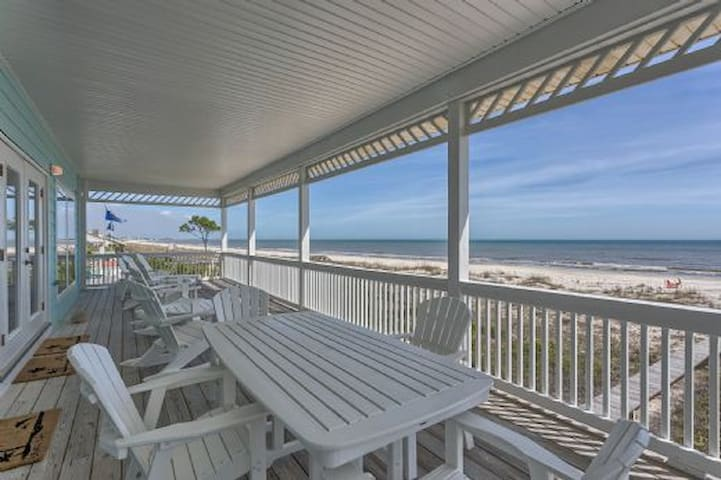 Luxury Family Vacation Home, Gulf Front, Elevator, Quiet Neighborhood ~ Dolphin View