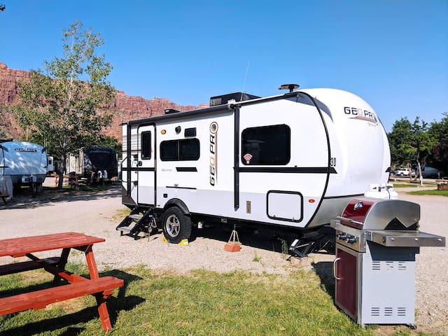 Outdoor Fun III: RV Fully Setup! OK30