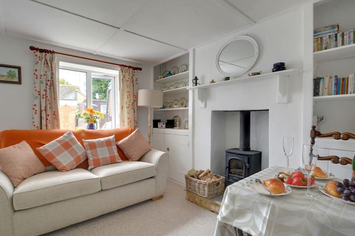 Cozy Holiday home in Hythe Kent with Garden