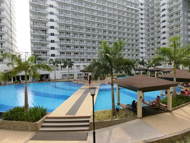 Shell Residence 5th floor: 32sqm budget large 1BR