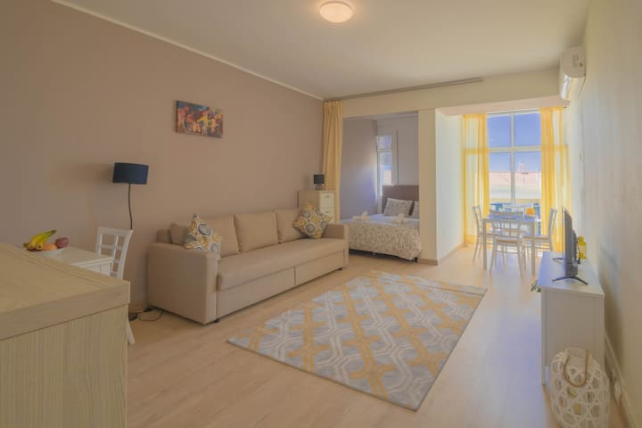 NICE & COSY STUDIO W/AC & SEA VIEW NEARBY OLD TOWN