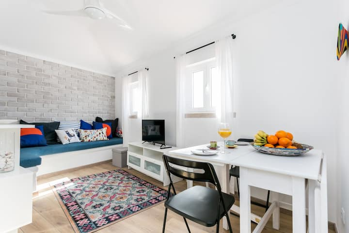 Central, Stylish and Cozy apartment 5 min/ beach