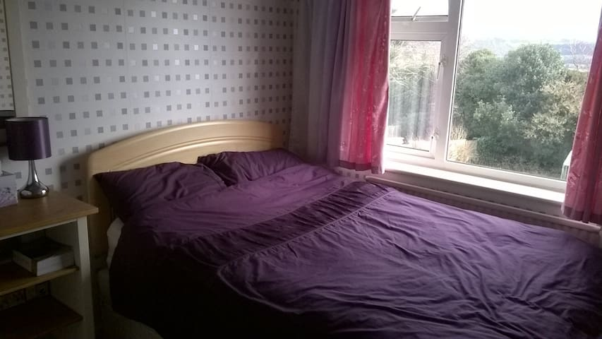 Private room Bromsgrove/Birmingham (females only) - Lickey End - House