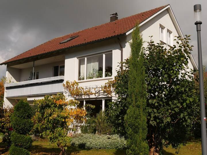Haus Kremeier, (Kressbronn a. B.), Ferienwohnung mit 60qm, 1 Schlafzimmer, 1 Wohn-/Schlafzimmer, max. 4 Personen