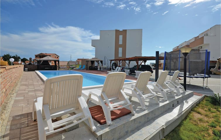 Holiday apartment with 2 bedrooms on 52m² in Nin