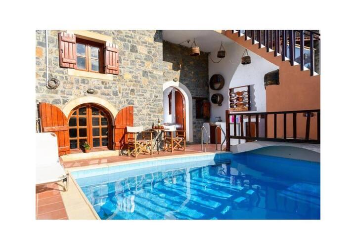Traditional Homes-House 1 Bedroom& Pool-Clio/Erato