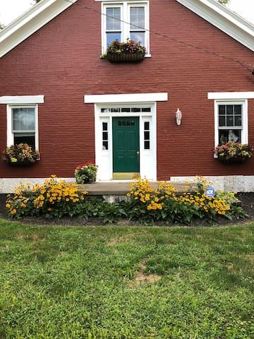 Shonda's red house