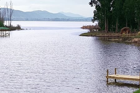 Lago rapel casa a orillas, bajada y muelle privado - Las Cabras