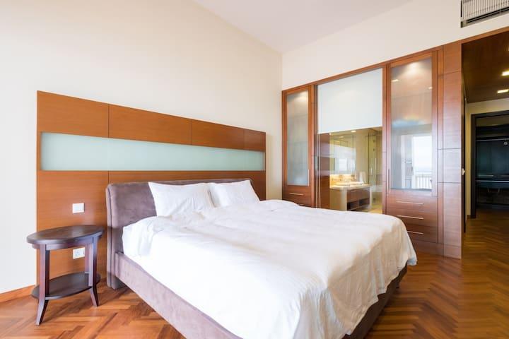 Seaview master bedroom