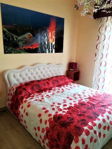 stanza da letto doppia rosso vulcano