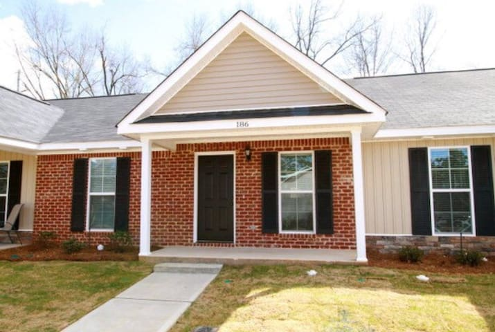 Private Room near Medical District - North Augusta - Huis