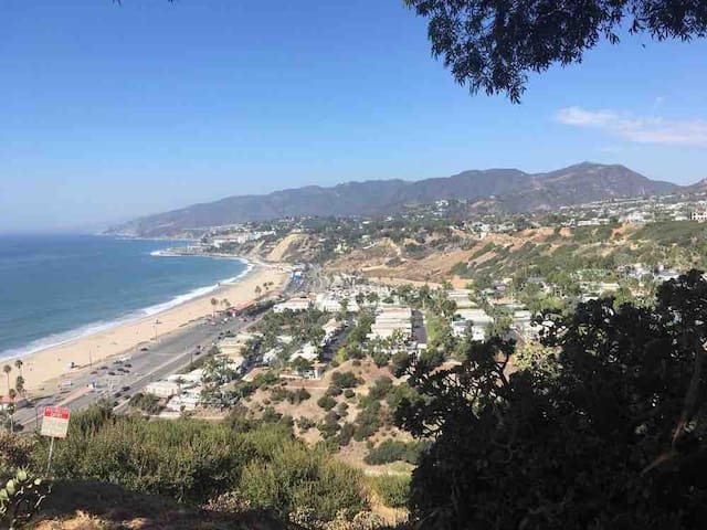 Coastal Hideaway Studio, 10 min to Santa Monica