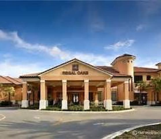 Regal Oaks 2 Bedroom Suite at Disney!