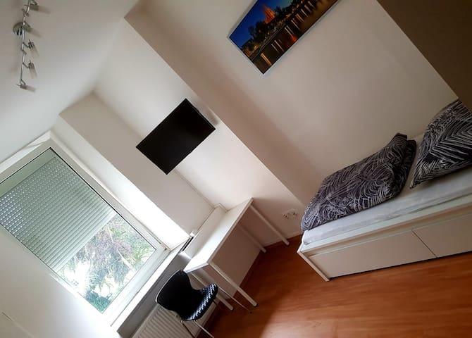 Helles Apartment/ Monteurunterkunft